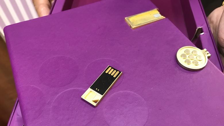 オカダマニラ・オフィシャルショップGB(THE GIFT BOUTIQUE)USBメモリ付き手帳