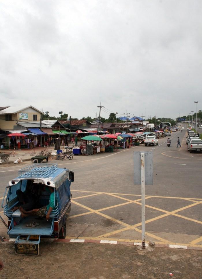 Chong Mek Lao-Thai border7_Arno Maierbrugger