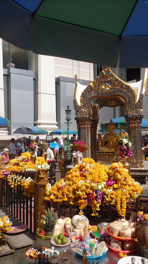 Bangkok blast a hard blow for Thai tourism recovery (photoblog)
