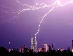 KLCC lightning