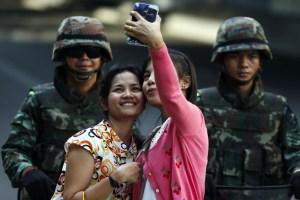Thai army selfie