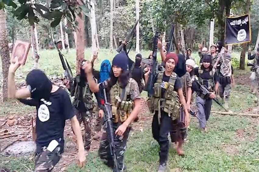 """Philippine southern militants form """"Islamic State province"""""""