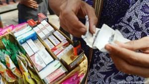 Thai cigarette vendor