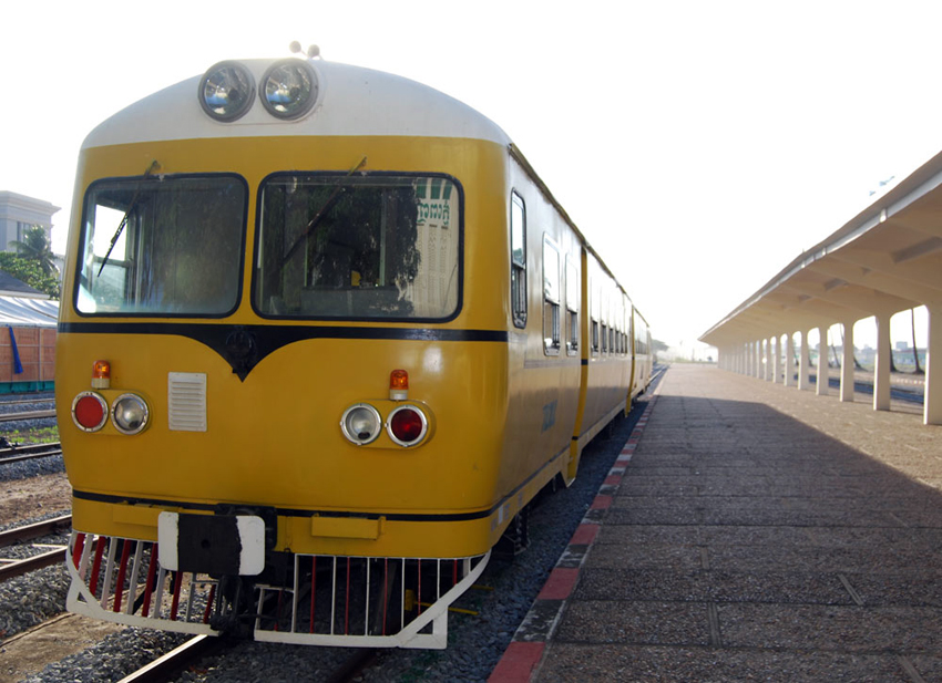 Passenger trains revived in Cambodia after 14-year-hiatus