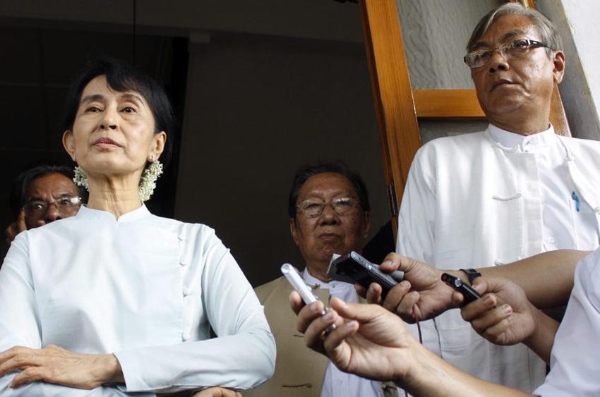 Suu Kyi names presidential candidates