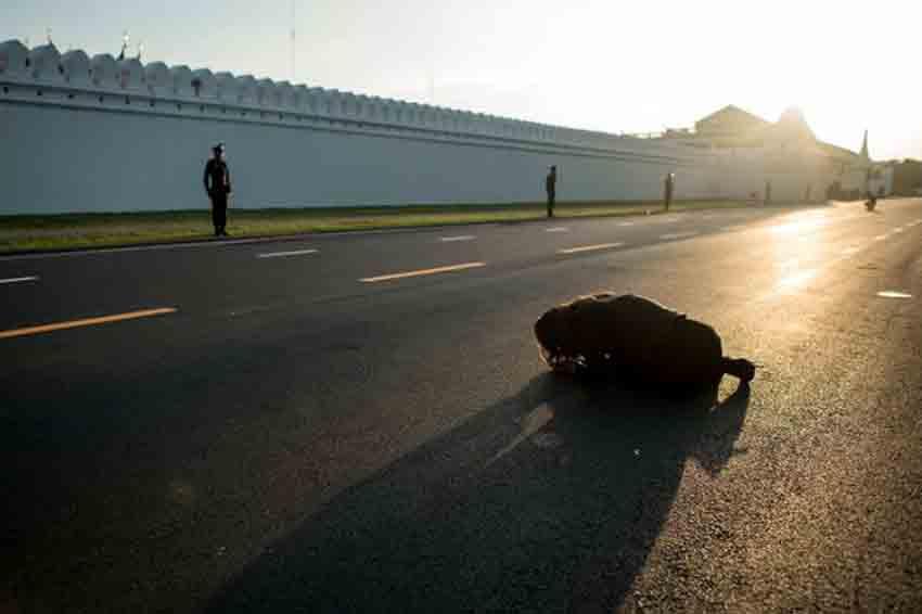 Thai government sticks to election roadmap