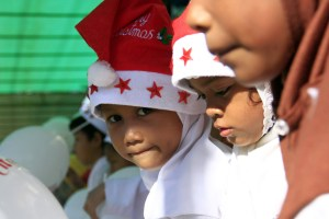 indonesia-santa-hat