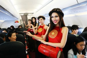 "Market value of Vietnam's ""bikini airline"" VietJet overtakes main rival"