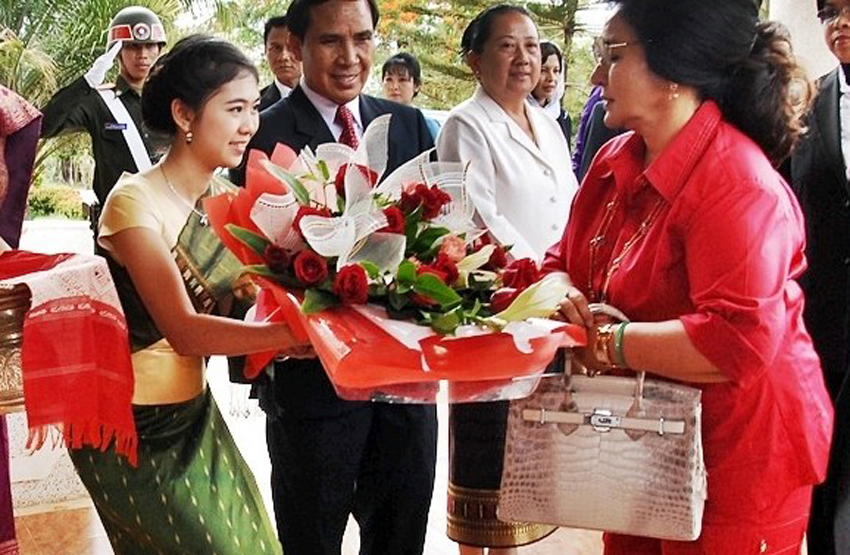 Rosmah dwarfs Imelda in the kleptocracy department