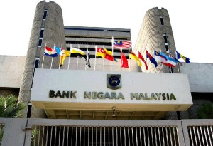 1MDB-linked land deal brings Malaysia's central bank governor down