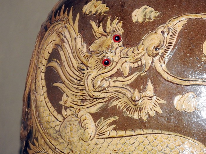 The dragon pots of Rat-Jar-buri, Thailand