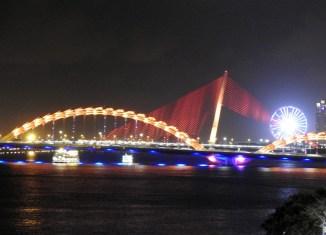 Da Nang, Vietnam bridges at night_Arno Maierbrugger