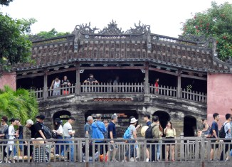 Vietnam tourism arrivals surge 20%, hit new record