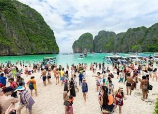 "Mass Arrivals Cause ""headache"" For Thai Tourism Minister"