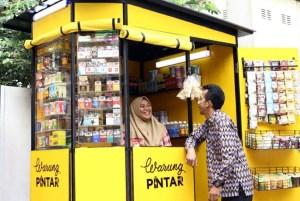 "Indonesia's ""smart Kiosk"" Startup Raises More Funds To Digitise Street Vendors"