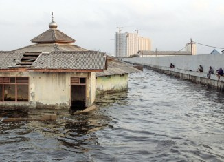 Jakarta Urgently Needs Giant Sea Wall For Its Protection