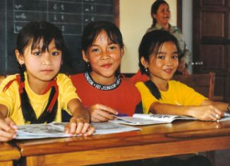 Japanese foundation boosts education for poor in Laos