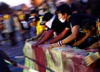 Gunshots in Bangkok as protests escalate
