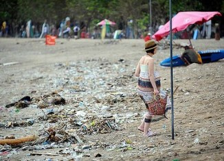 Bali seeks cleanup amid high arrivals