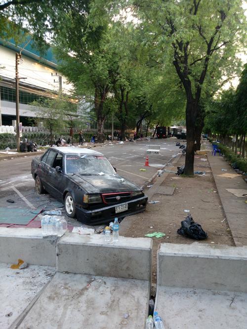 Bangkok-riots-Dec-2013_17-2_Arno Maierbrugger