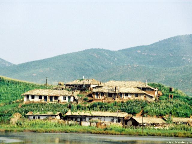 North Korea_DMZ_Farmhouses_Arno Maierbrugger