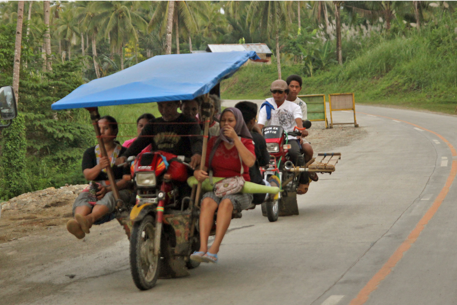 Philippines' agricultural basin held back by poor roads