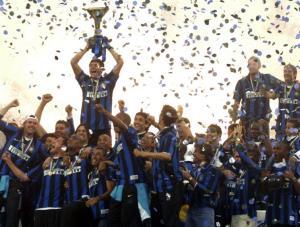 Inter Milan captain Zanetti lifts Italian Serie A trophy at San Siro stadium in Milan