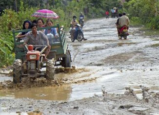 Laos seeks investors for road infrastructure