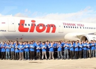 Lion Air builds large maintenance center off Singapore