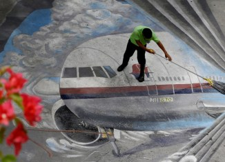 Malaysia Airlines to slash 6,000 jobs and cut routes