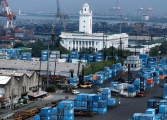 Philippine imports surge, rating affirmed by Fitch