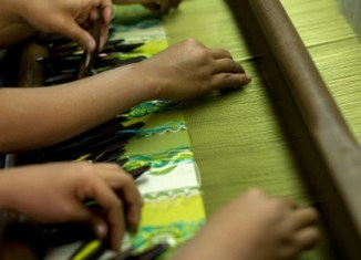 Myanmar, India to cooperate in textile, crafts manufacturing
