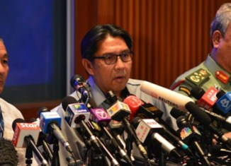 Malaysia criticised how it has handled airplane crisis