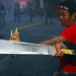Thailand: Red Shirts threaten to 'surround Bangkok'