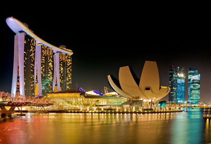 Singapore economy flexes its muscles