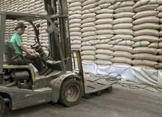Global markets wait for cheap Thai rice