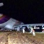 Thai Airways crash-lands, blocks Bangkok airport