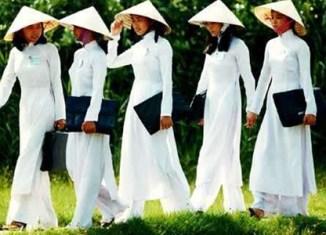 Vietnam: More tourists, but little spending