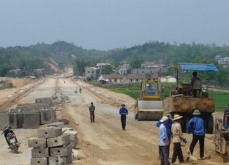Vietnam needs $500b for infrastructure in 10 years, says ministry