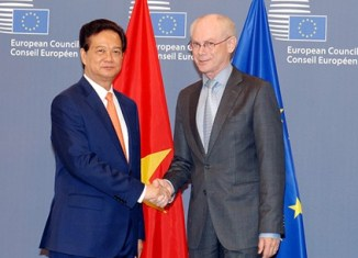 Vietnam's PM looking to boost trade ties with the EU