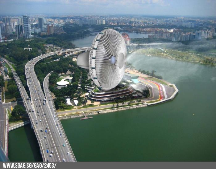 Singapore tries to see the funny side of haze