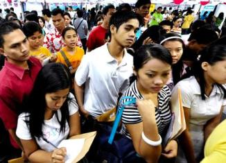 Philippines pressured to reintegrate OFWs