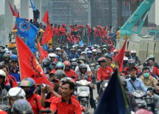 Nationwide strikes in Indonesia for higher salaries