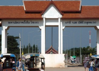 Laos and Thailand resume border talks