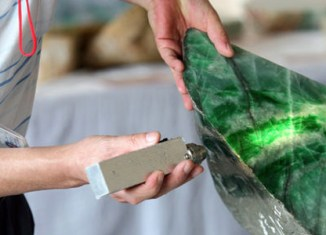 US renews ban on gems from Myanmar
