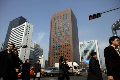 South Korea Hits Deutsche Bank With Trading Ban 2011 02 24 L