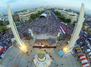 thai-protest-democracy-mon