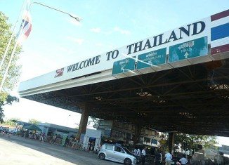 How to annoy tourists: Look at Thailand