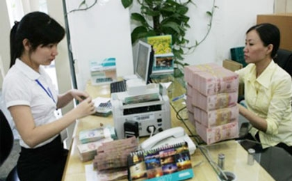 Vietnam to allow higher bank investments