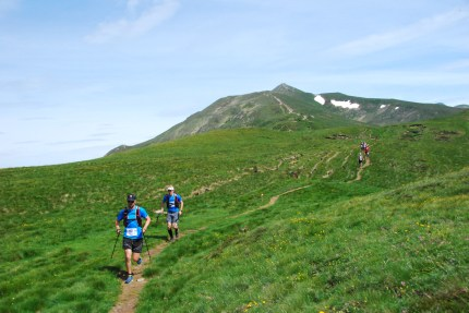 Runners descent from Gazzirola summit